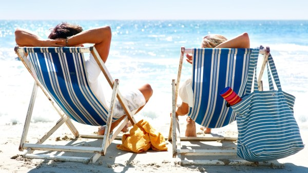 5 TIPS ON HOW TO SNEAK A VACATION DESPITE YOUR BUSY SCHEDULE