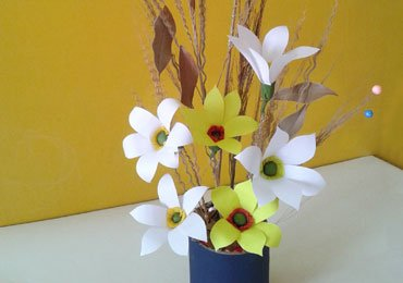 Best out of waste craft ideas how to make a bunch of flowers for Best out of waste easy to make