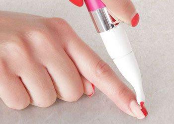 removing-the-nail-polish