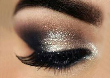 How to Apply Black Eye Shadow?