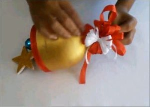 Christmas-bell-diy-recycled