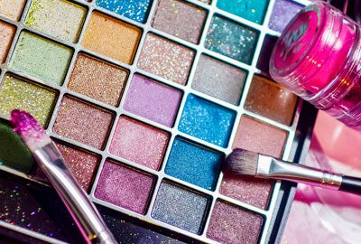 Getting right glitter eyeshadow