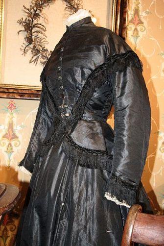 museum-of-funeral-custom-dress-1867-1869