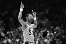 02 Jun 1985, Inglewood, California, USA --- Original caption: 6/2/1985-Inglewood, CA- Lakers', Kareem Abdul-Jabbar, acknowledges the cheering crowd during the NBA Championship game against the Celtics, when it was announced that he had become the all-time playoff scoring leader. Ph: Alan Zanger --- Image by © Bettmann/CORBIS