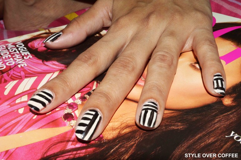 Fashion, Style, Beauty, Nail Art, Nail Color, Striped Nail, Black and White, Geometric Nail Art, Make-up and Beauty