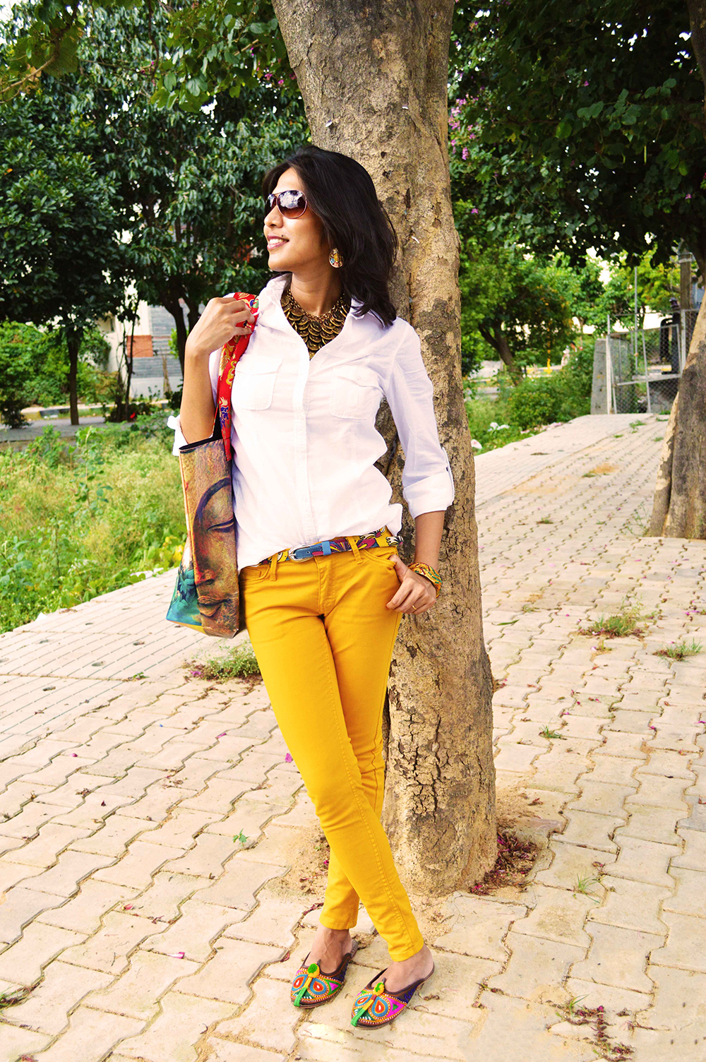 White Shirt, Fashion Blogger, Beauty, Yellow Jeans, Fashion, Style, Photography, mustard yellow-3
