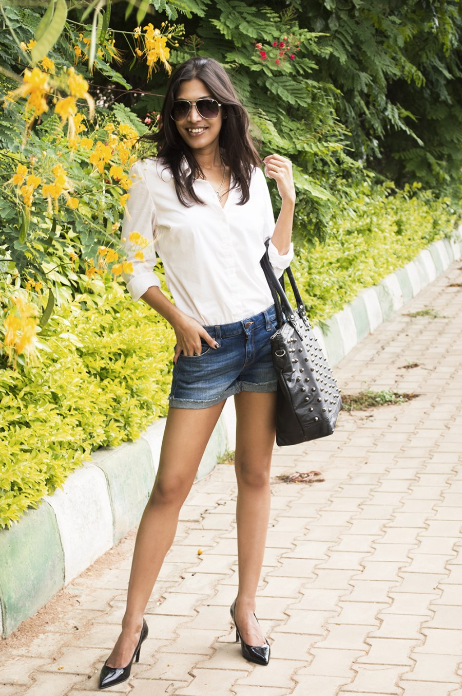 Classic Outfit, White Shirt, Denim Shorts, Fashion, Photography, style, Indian Fashion Blogger, Beauty-6
