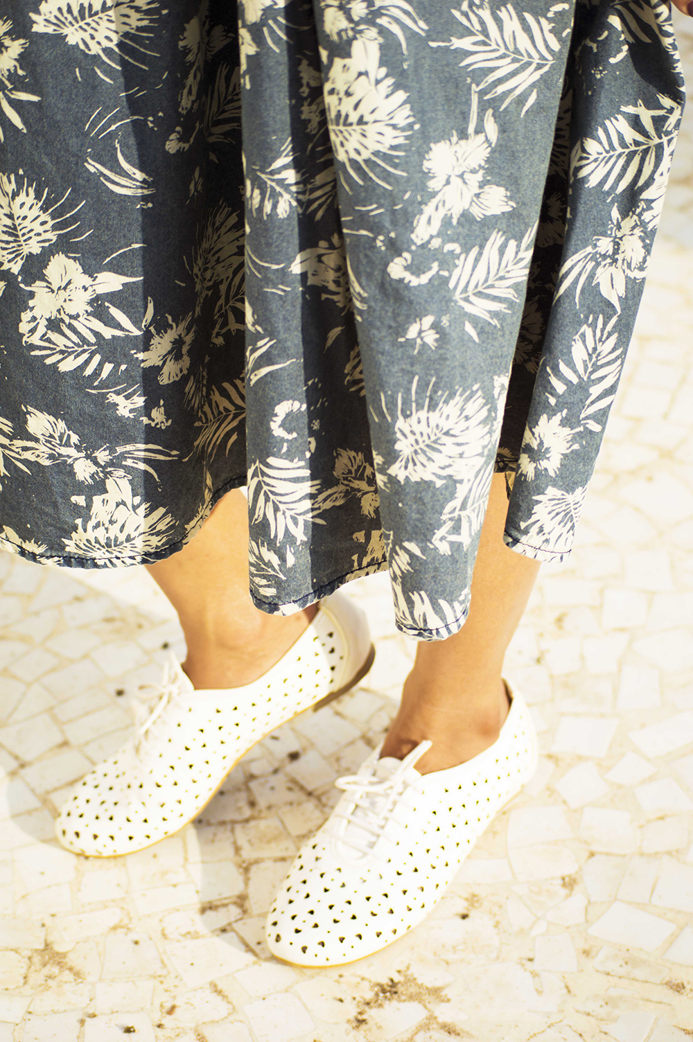 Fashion, Style, Indian Fashion Blogger, Street Style, Summer fashion, printed midi skirt style, Printed denim skirt, photography, style over coffee-1