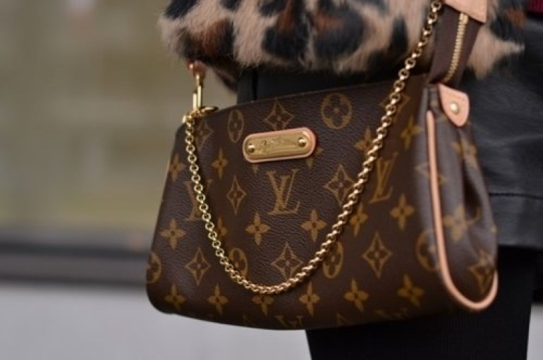 Louis Vuitton Bag, Christmas Wish List, Louis Vuitton, Fashion Designer, High-fashion, Bag, Style, fashion photography
