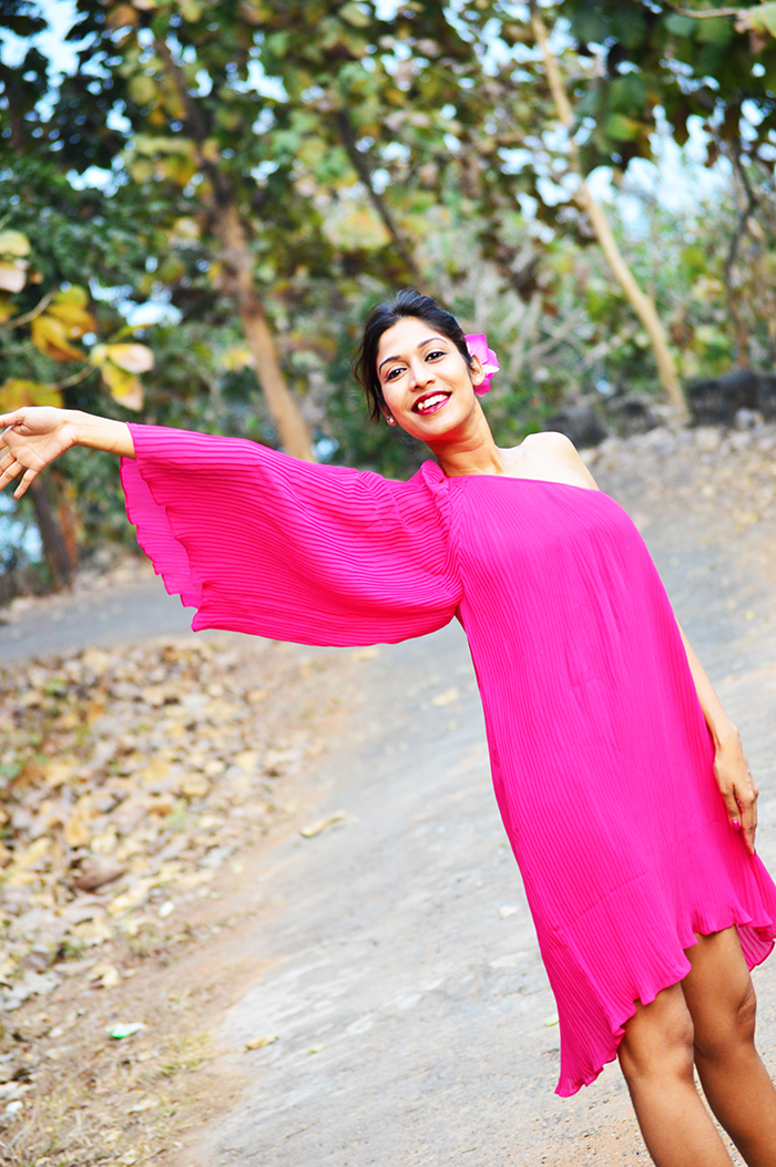 Fashion, Style, Fashion Photography, Fashion Blogger, Outfit Post, Valentine's Day, Pink Dress, Romantic Look, OOTD, Indian Fashion Blog