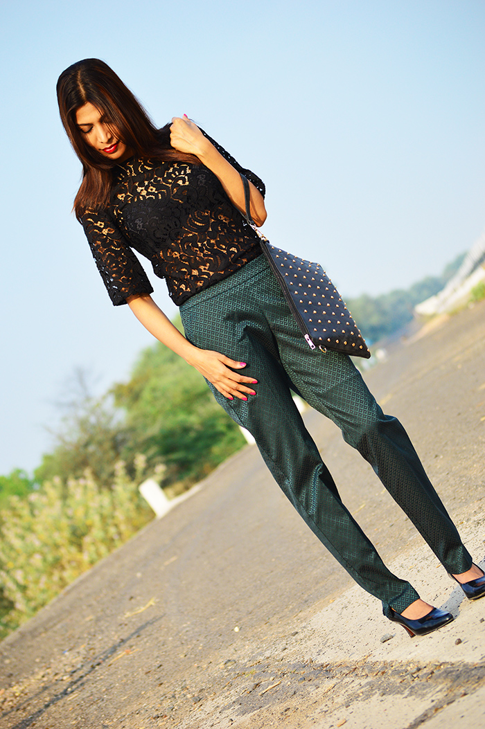 Fashion, Style, Fashion Photography, Street Fashion, Fashion Blogger, Casual wear, Indian Fashion Blogger, Dorothy Perkins Pants, Lace top, Summer Fashion