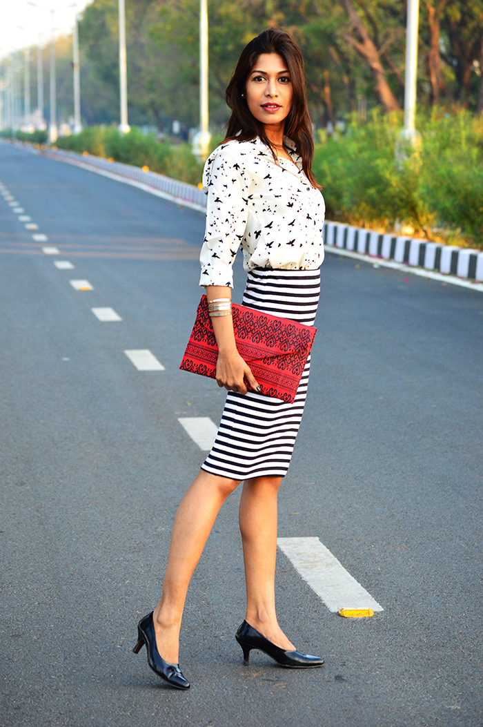 Fashion, Style, Fashion Photography, Street Fashion, Fashion Blogger, Casual wear, Indian Fashion Blogger, Pencil Skirt, Monochrome Fashion Trend,
