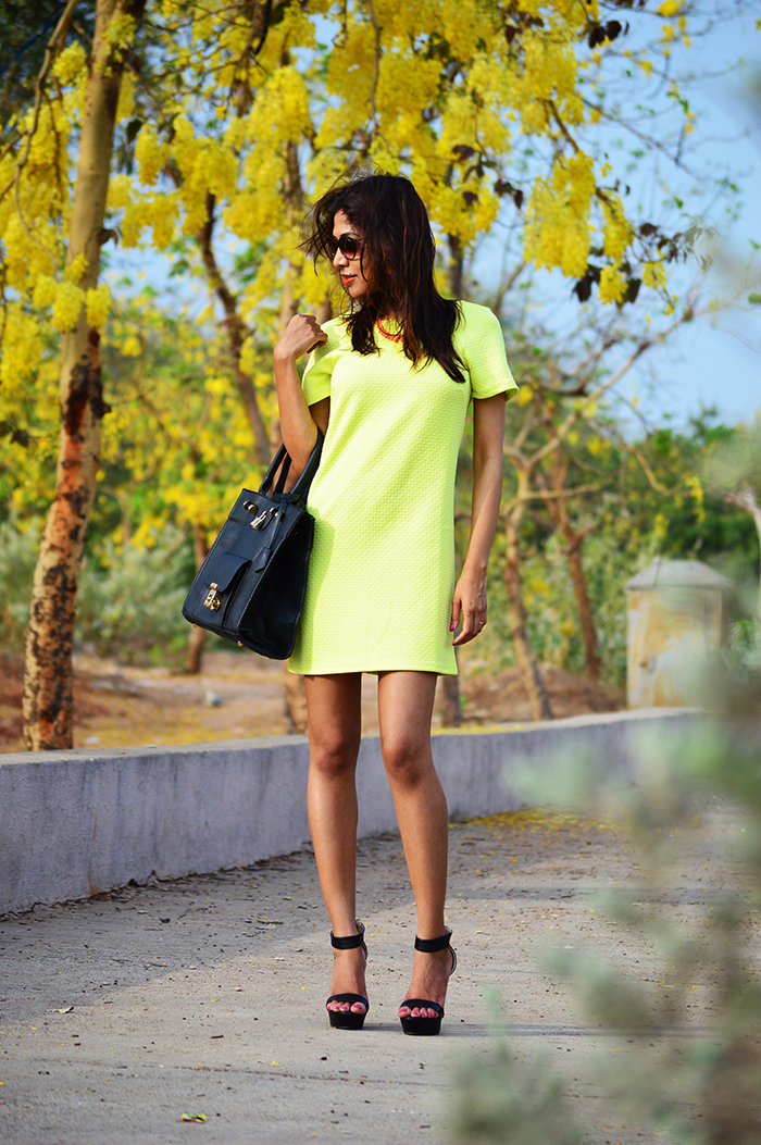 Fashion, Style, Fashion Photography, Street Fashion, Fashion Blogger, Casual wear, Indian Fashion Blogger, Jabong.com, Dorothy Perkins dress, Boohoo Bag, Miss Bennet London Shoes, Summer Fashion, Street style