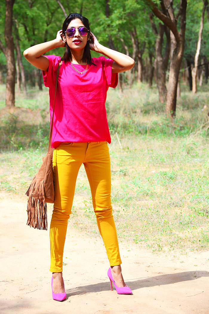Fashion, Style, Fashion Photography, Street Fashion, Fashion Blogger, Casual wear, Indian Fashion Blogger, Summer Colors, Mango Jeans, Jabong Top, Street Style, Summer Fashion, Pink Top, Forever 21 Necklace, Miss Bennett London Shoes, Pink Pumps, Boohoo Fringe Bag