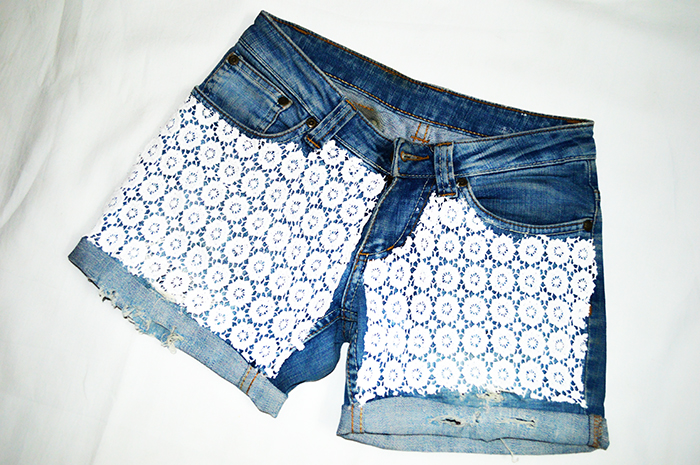 Fashion, Style, Fashion Photography, Street Fashion, Fashion Blogger, Casual wear, Indian Fashion Blogger, DIY, DIY Denim, DIY Denim Shorts, Denim Shorts with lace, DIY Fashion 6