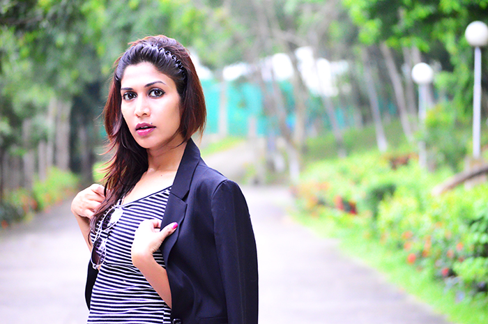 Fashion, Style, Fashion Photography, Street Style, Fashion Blogger, Indian Fashion Blogger, Style Over Coffee, Casual wear, Summer Fashion, H&M Black Crop Blazer, Aldo Sunglasses, Boohoo Skinny Jeans, Only Striped top, Mango Black Boots