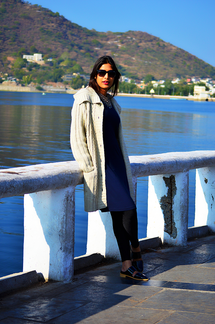 Fashion, Style, OOTD, Indian Fashion Blog, Street Style, Fashion Photography, Chunky Knit Sweater, Knit Dress, Silver Necklace, Winter Wear, Winter Fashion, Udaipur, India Travel, Travel Post