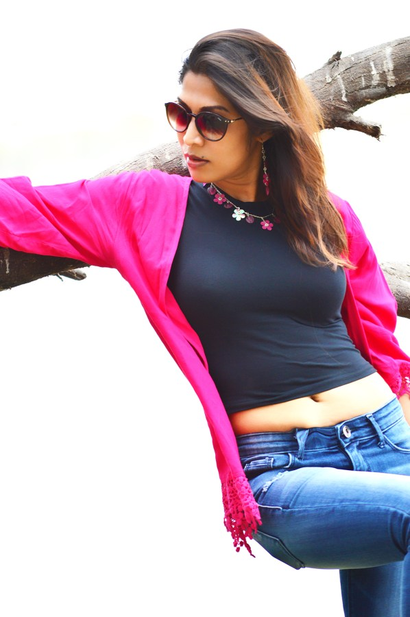 Fashion, Style, Indian Fashion Bloggers, Street Style, Travel, Fashion Photography, Crop Top, Pink Shrug, Thol Bird Sanctury-2
