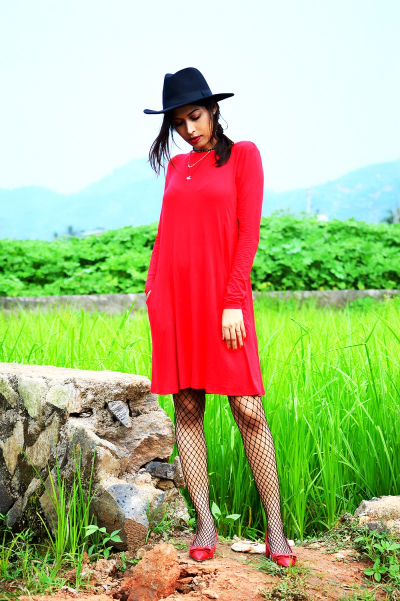 Red Dress, Fashion, Style, OOTD, Photography, Fashion Blogger, Fishnet Stockings-2