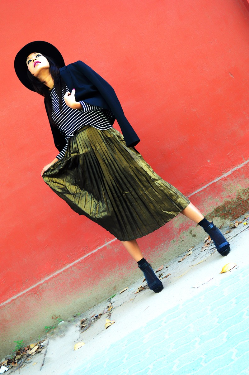Metallic, Golden Pleated Skirt, Fashion, Style, Photography, Fashion Blogger, Street Style, Fall Fashion-2