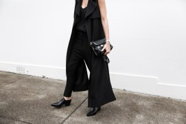 Modern legacy Blogspot All black Long sleeveless coat + trousers