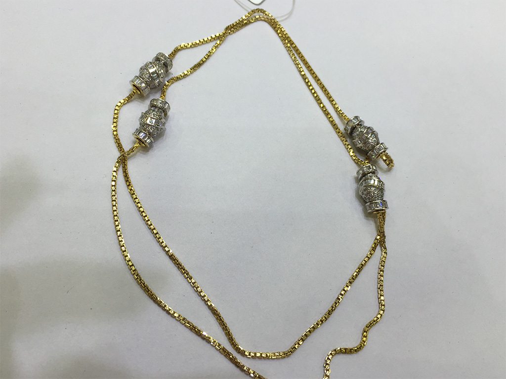 Diamond and Gold Chain. PC- Style Prer