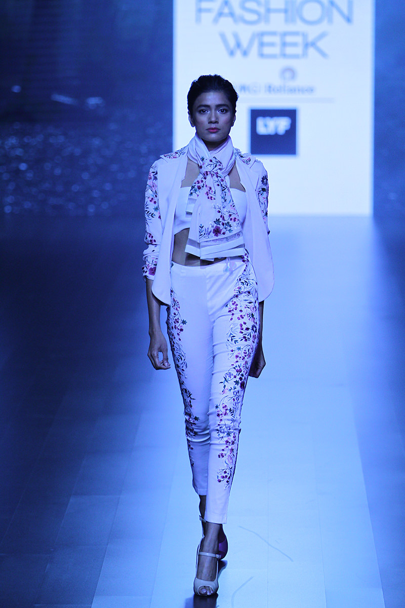 Structured pant suits by Shriya Som. PC-vogue.in
