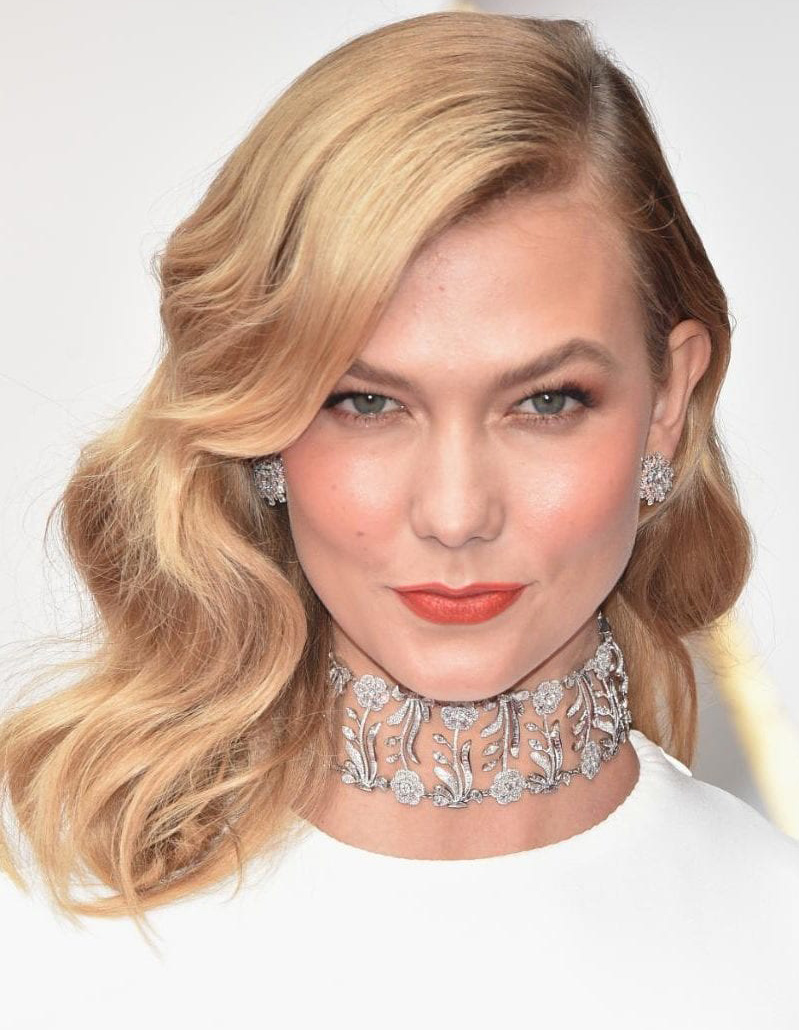 Karlie Kloss Dazzles In Almost 38 carats Of Mughal Diamond Choker And Rose Cut Diamond Earrings Weighing Almost 5 Carats By Nirav Modi At Oscars. The Earrings Are From His En-Tremblant Collection PC- Telegraph