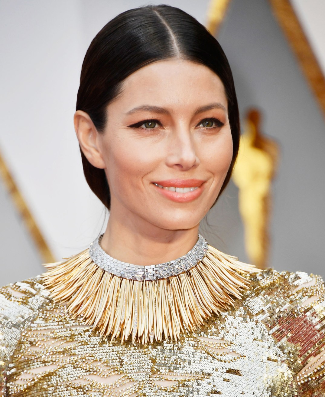 "Jessica Biel wears a handcrafted Tiffany And Co's ""Whisper Of The Rain"" collar necklace, made using over 350 uniquely shaped 18k yellow gold fronds and over 200 baguette diamonds. The collar is roughly 60 carats. Its from their 2017 Blue Book Collection. PC- Harper's Bazaar"