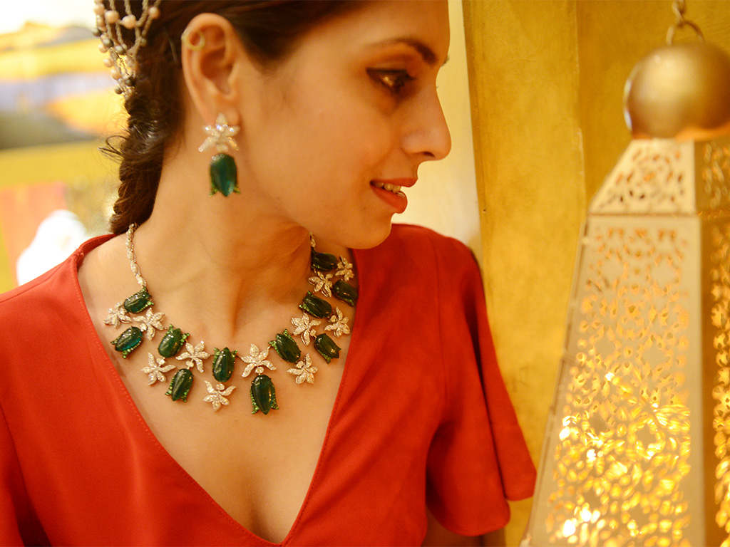Diamond Emerald Floral Necklace Set By Renu Oberoi