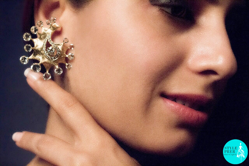 An Amalgamation Of Rose Cut Diamonds With Crude Gold Textures