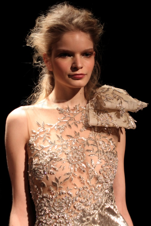 marchesa-fall-winter-2010-frederic-fekkai-hairstyle-24
