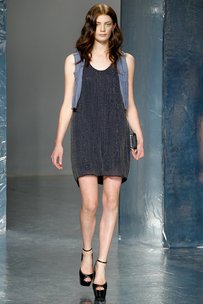 Theyskens' Theory Spring Summer 2012 Collection 32