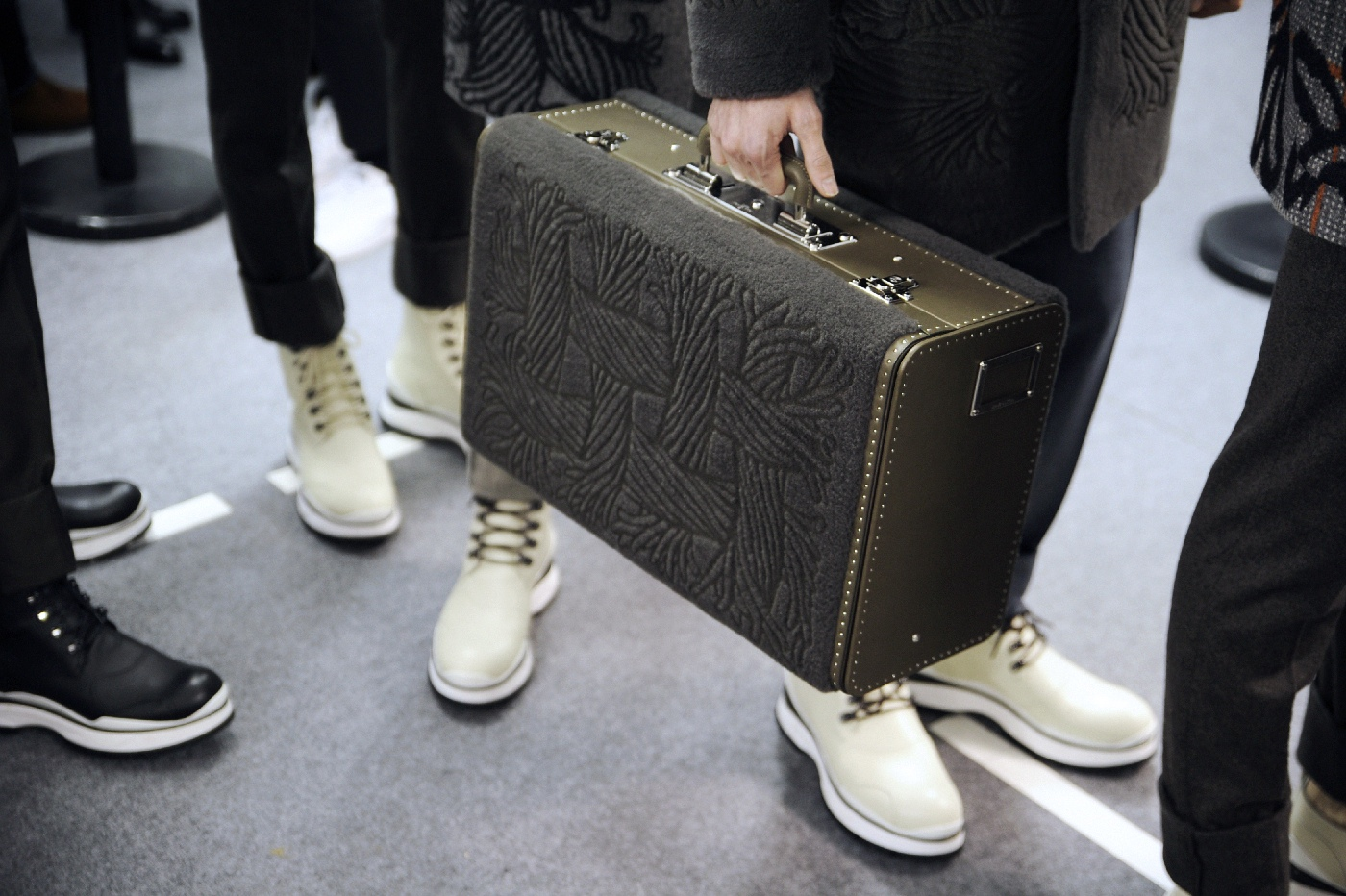 Backstage at the Louis Vuitton Menswear Fall Winter 2015 Show 37