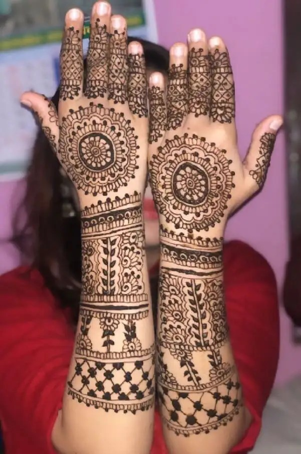 Eloberate Back Hand Mehendi Designs