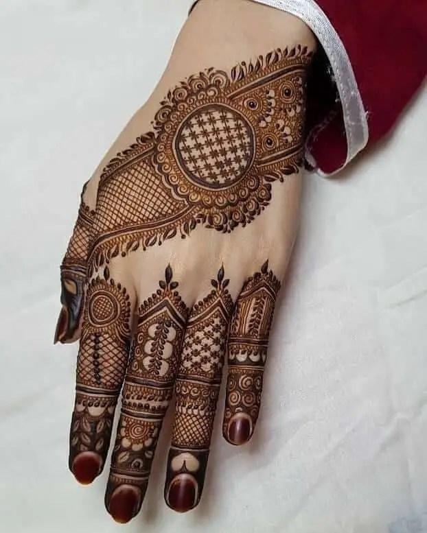 Pakistani Back Hand Mehendi Design