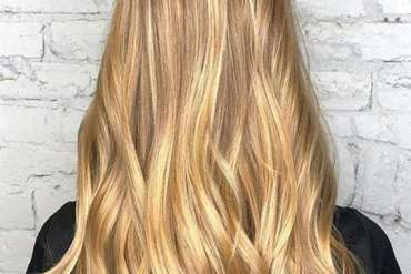 Long Blonde Wavy Highlights for Any Event In 2018