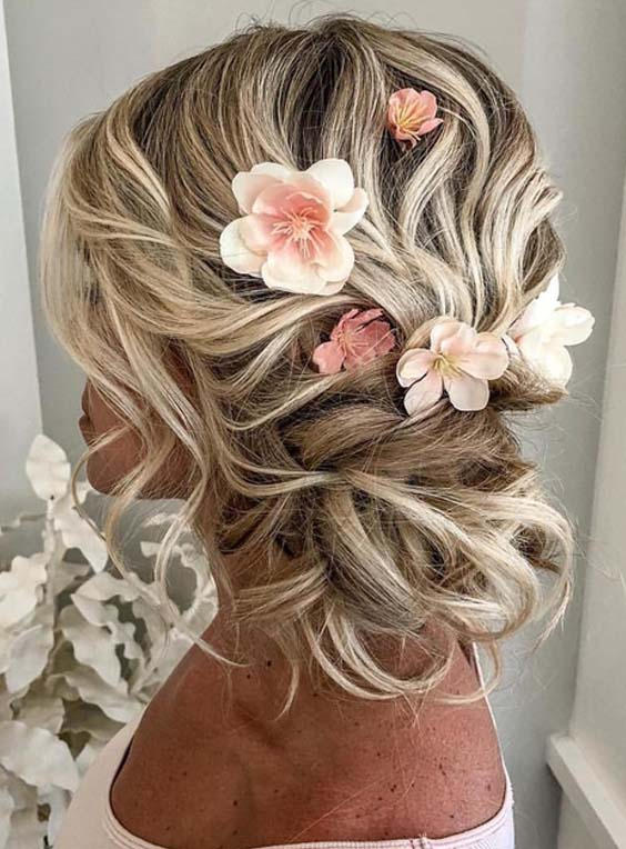 Romantic Bridal Updo Hairstyles for 2018