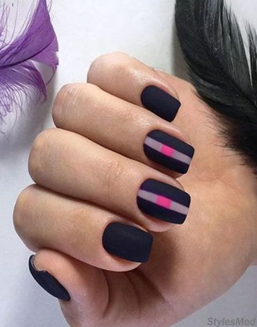 Easy & Subtle Ways to Wear the Black Nails