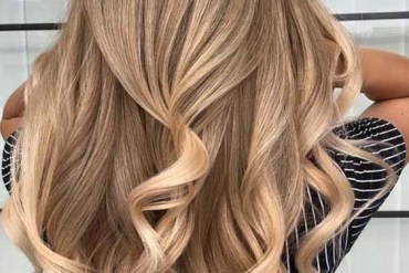Stunning Honey Blond Hair Colors For Long Hair in 2018