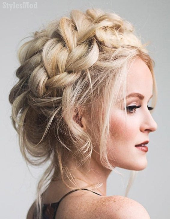 Adorable Crown Braid Hairstyle Look for Ladies