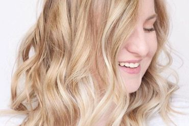Hottest Balayage Hairstyles & Romantic Waves for 2019