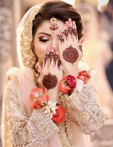 Stylish Bridal Mehndi Designs for Wedding Day In 2019