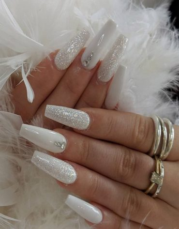 Stylish Looks of White Nails to Try In 2019