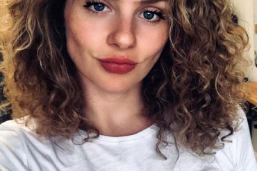 Medium Length Curly Hairstyles for Women 2019