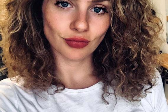 Best Medium Length Curly Hairstyles For Women In 2019 Stylesmod