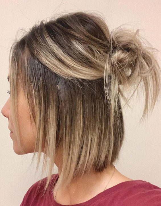 Best Ways to Wear Messy Bun Hairstyle to Look Amazing
