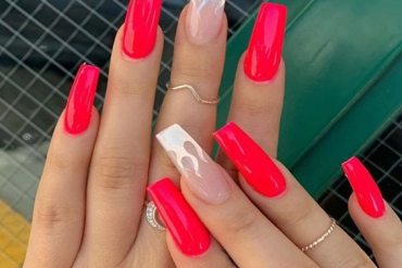 Lovely Styles & Looks of Red Nails for Girls