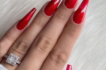 Modern Style of Red Nails Anyone can Try Now