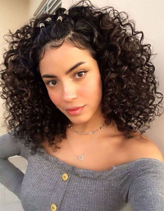 Modern Style of Medium Curly Hair to Copy In 2020
